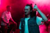 ember gazdaság sört nightclub és tánc alatt rave