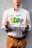 vágott kilátás üzletember gazdaság papír gdpr betűkkel
