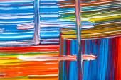 abstraktní barevné pozadí s tahy štětcem