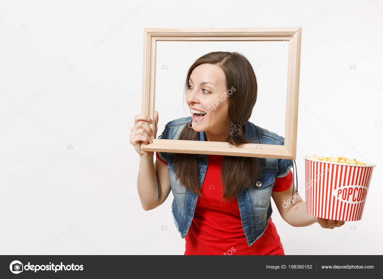 Retrato Joven Sonriente Mujer Bastante Morena Viendo Peliculas Del ...