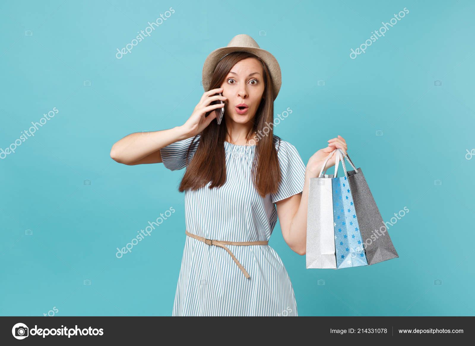 118f8cb33 Divertido Retrato Sonriente Mujer Vestido Verano Sombrero Paja Con ...