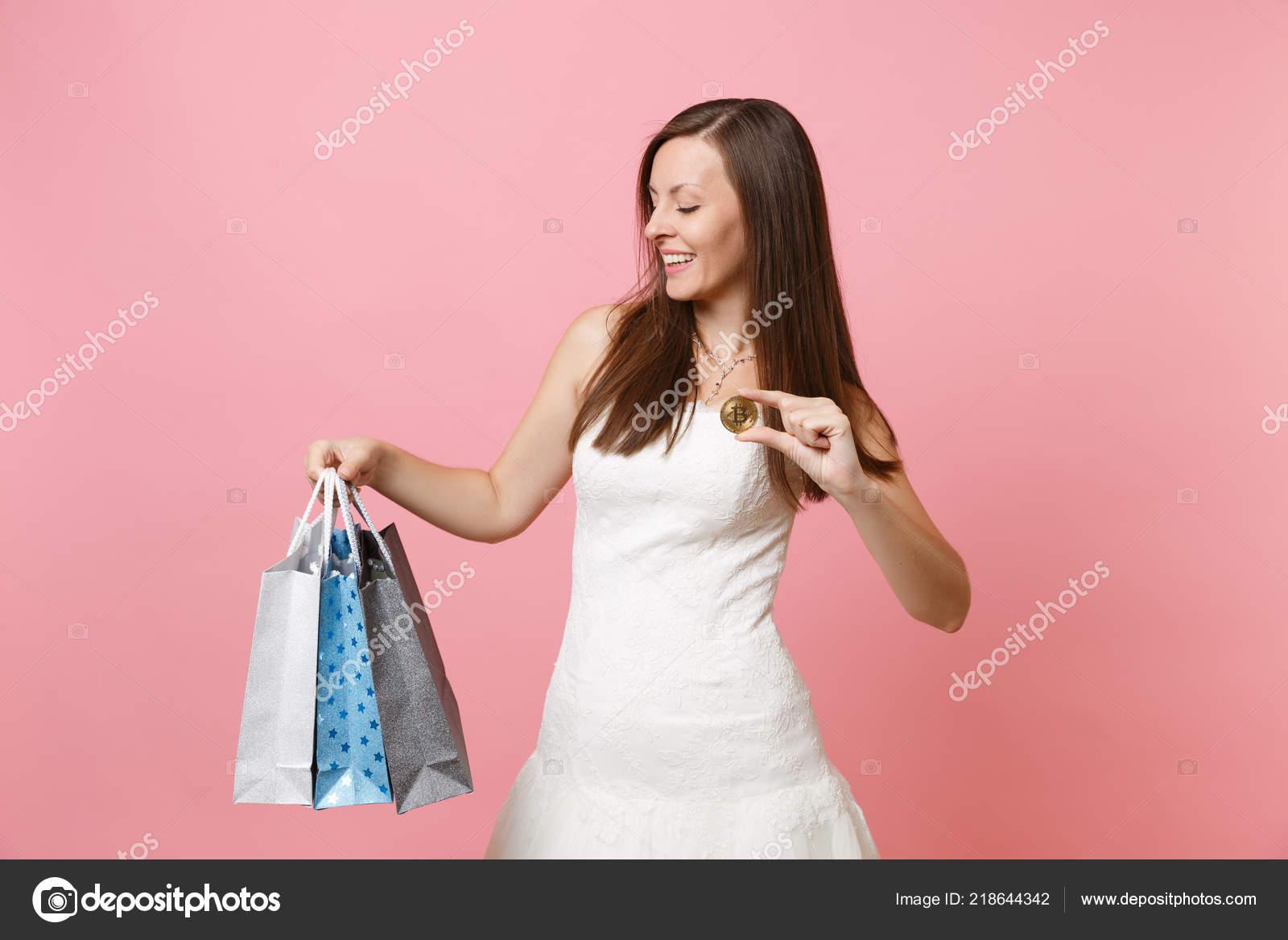 1104328b82 Οργάνωση του γάμου– Εκδοτικές Φωτογραφίες Αρχείου. Γυναίκα Όμορφη Νύφη Στο  Νυφικό ...