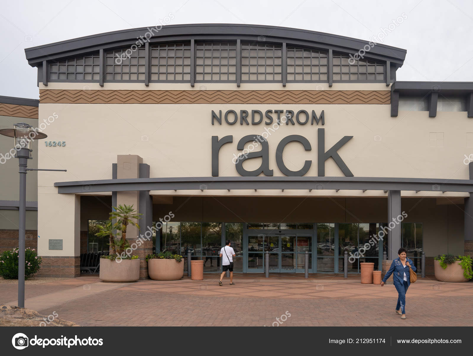 Scottsdale Usa Nordstrom Rack Fashion Retailer Based Which Owned Nordstrom  — Stock Photo d89de42fe74e