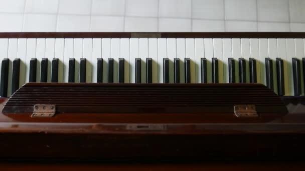 Kotta a zongora művészeti, zenei fogalma alatt