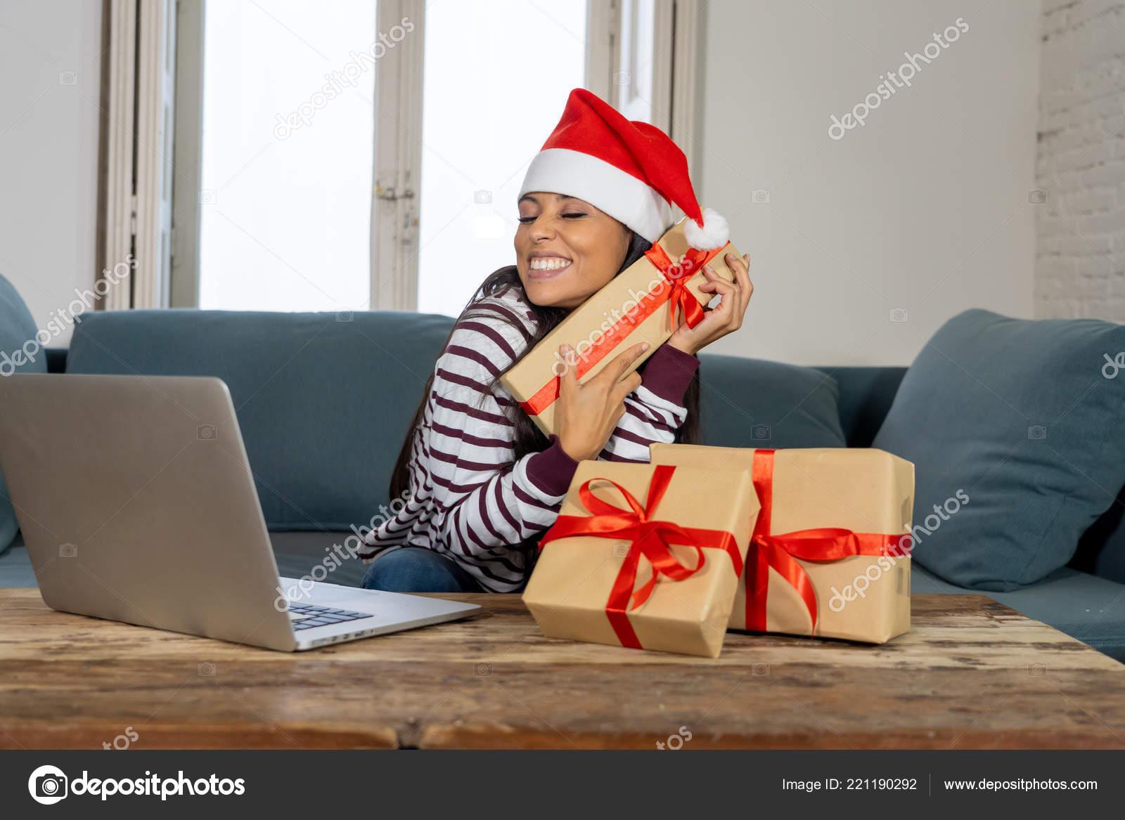 Mulher Usando Chapéu Vermelho Camisola Papai Noel Escolher Comprar ... 48c31770004