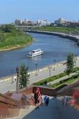 Tyumen, Rusko-Srpen 14, 2018: město řeky Tour v letním dni