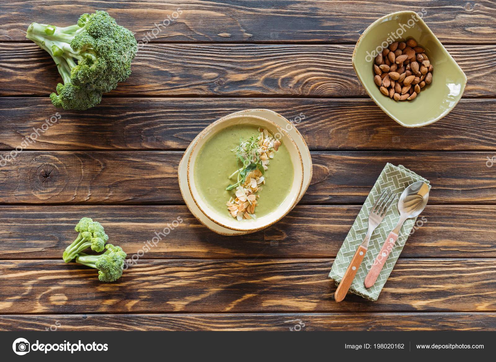 вегетарианский суп с брокколи