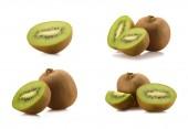 Fotografie close up view of arranged fresh kiwi fruits isolated on white