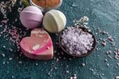a szürke lila tengeri só és a kézzel készített szappan kiadványról