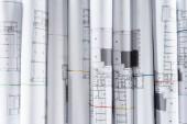 Vollbild der angeordneten Architektenbaupläne in Reihe platziert