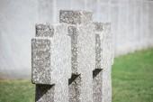 Fényképek zár megjelöl kilátás-a régi emlékmű sírkövek sora temetőben elhelyezett