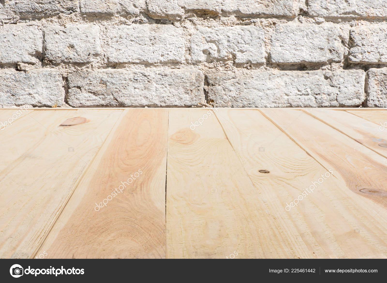 Sjabloon van beige houten vloer gemaakt van planken met bakstenen