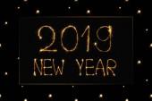 zár megjelöl kilátás-2019 újév könnyű jel-fekete háttér