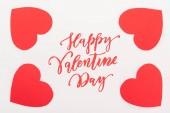 pohled shora ve tvaru červeného srdce papíru karet izolované na bílém s nápisem Happy valentines day