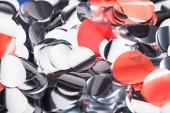Zavřít pohled na stříbrné konfety