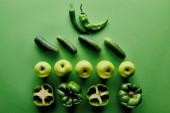 a friss és bioalma, az uborka és a paprika felülnézete