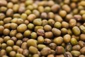 Fotografie Nahansicht der rohen grünen Mungbohnen