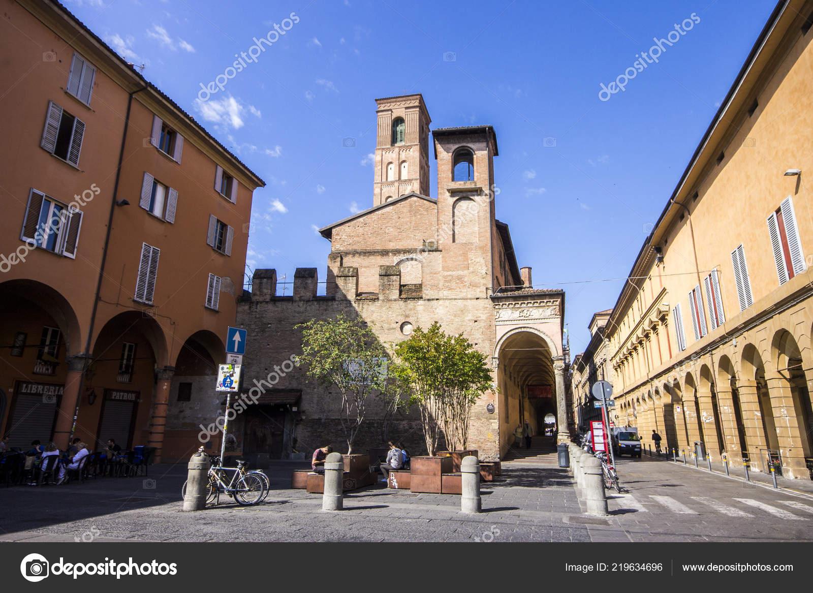 Basilica San Giacomo Maggiore Historic Roman Catholic Church Bologna ...