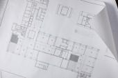 Fotografia vista dallalto della cianografia architettonica su carta bianca