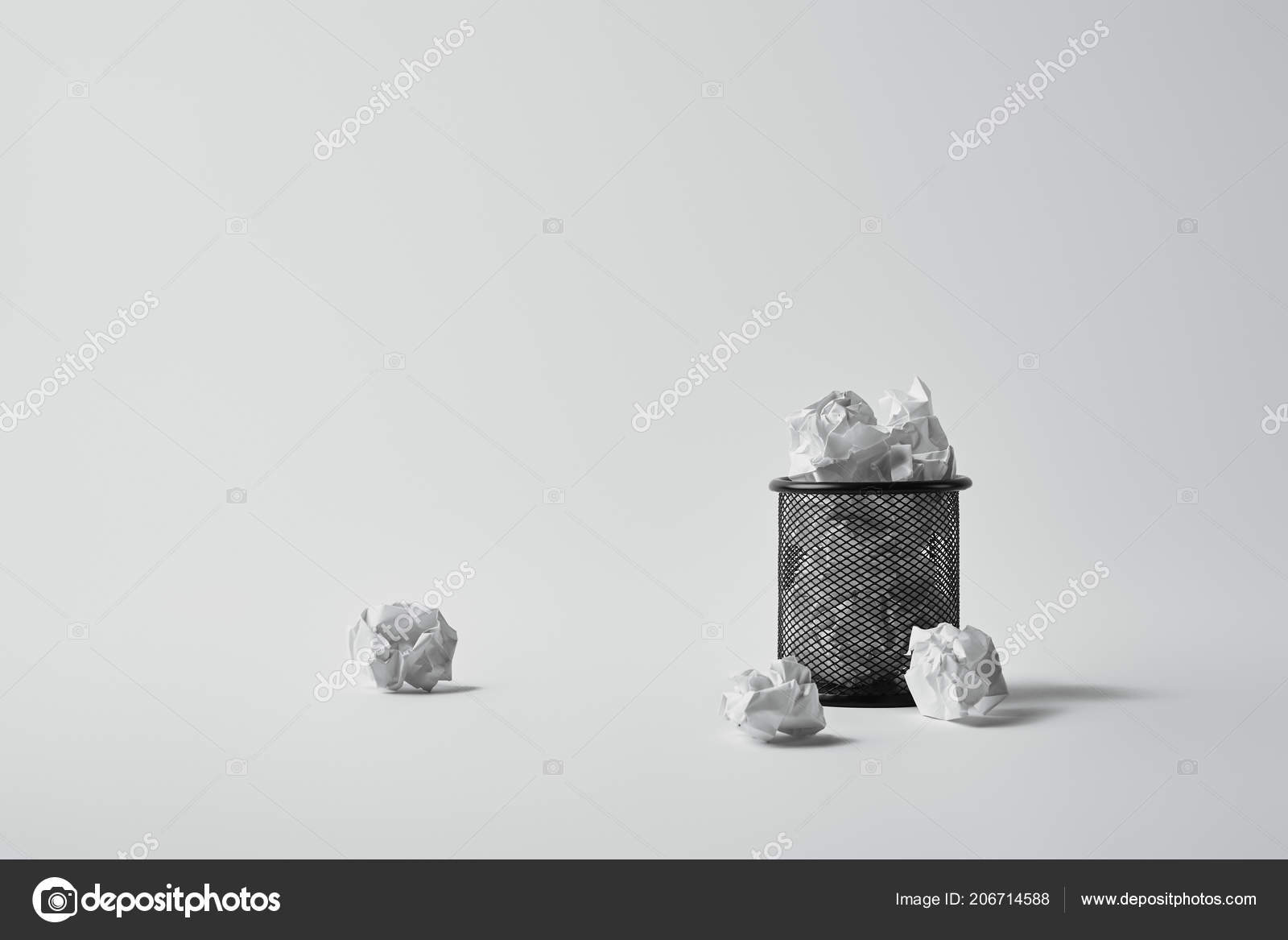 Office Trash Can Crumpled Papers White Surface U2014 Stock Photo
