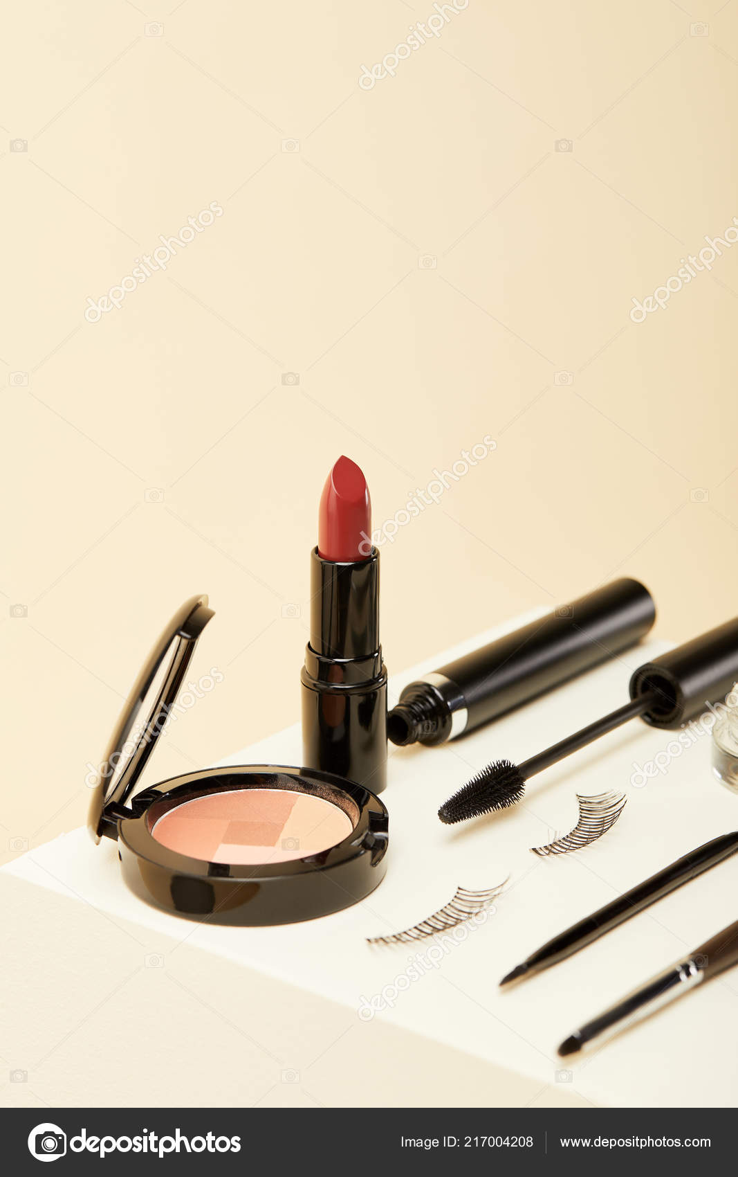 Close Shot Makeup Supplies Kit Beige