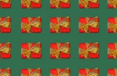 Fotografie christmas seamless background with red gift boxes with bows