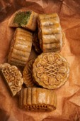 Fotografia close up of delicious baked traditional chinese mooncakes