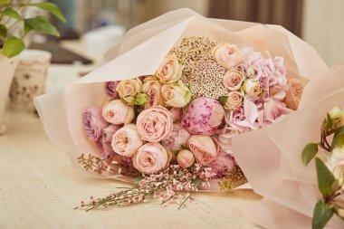 """Картина, постер, плакат, фотообои """"букет роз и пионов на столе цветы орхидеи подсолнухи сакура"""", артикул 244743142"""