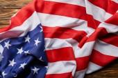 a hagyományos amerikai zászló felülnézete a fa felszínén