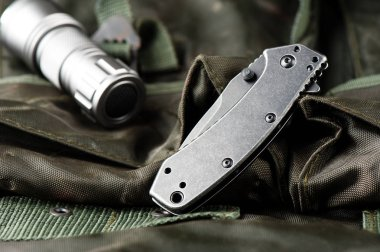 stainless steel pocketknife with blackwash finish on blade and handle