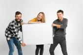 Mladí lidé hospodářství bílá deska