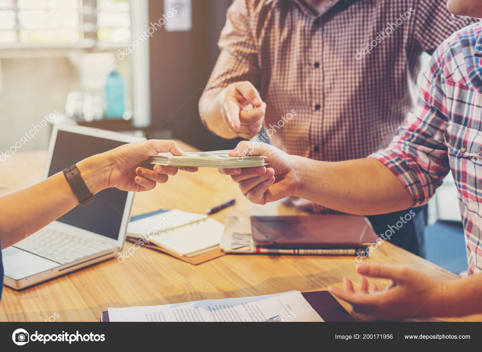 частное лицо займет деньги в новосибирске