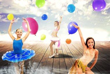 Ballerine in posa, sfondo astratto
