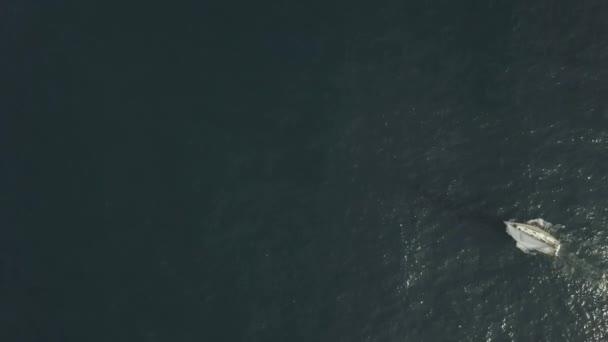 Yacht, vitorlás, kék tenger, lövészet repülő drone