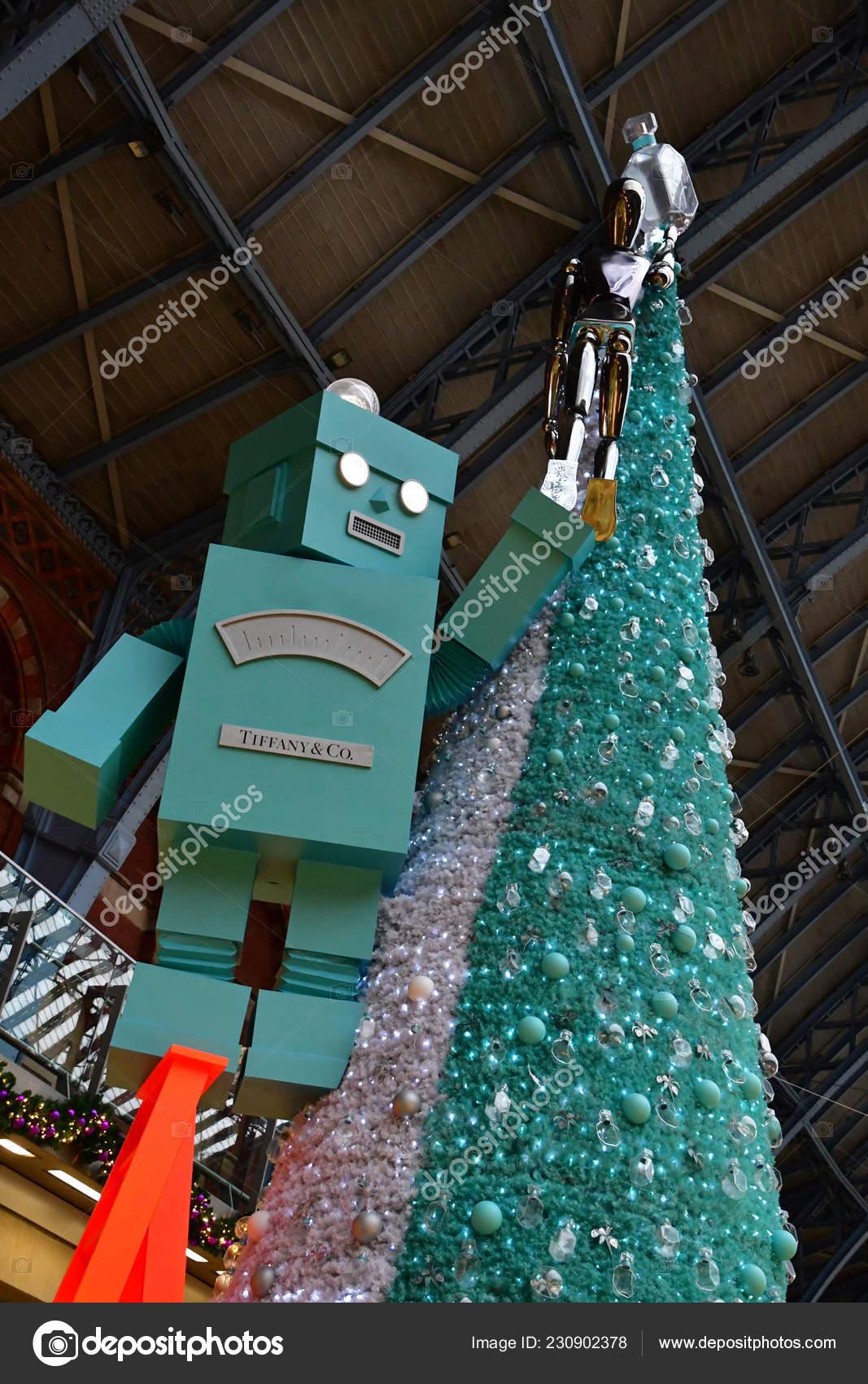 England Christmas Tree.London England November 2018 Christmas Tree Saint Pancras