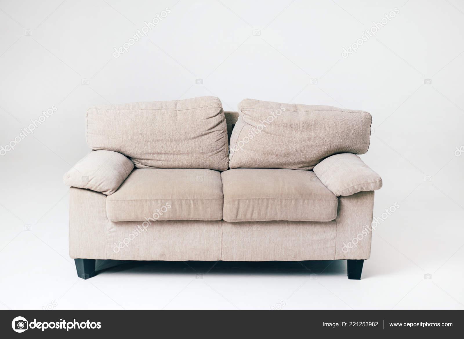 Ein Graues Weiches Sofa Mit Kissen Steht Mitten Raum Auf Stockfoto
