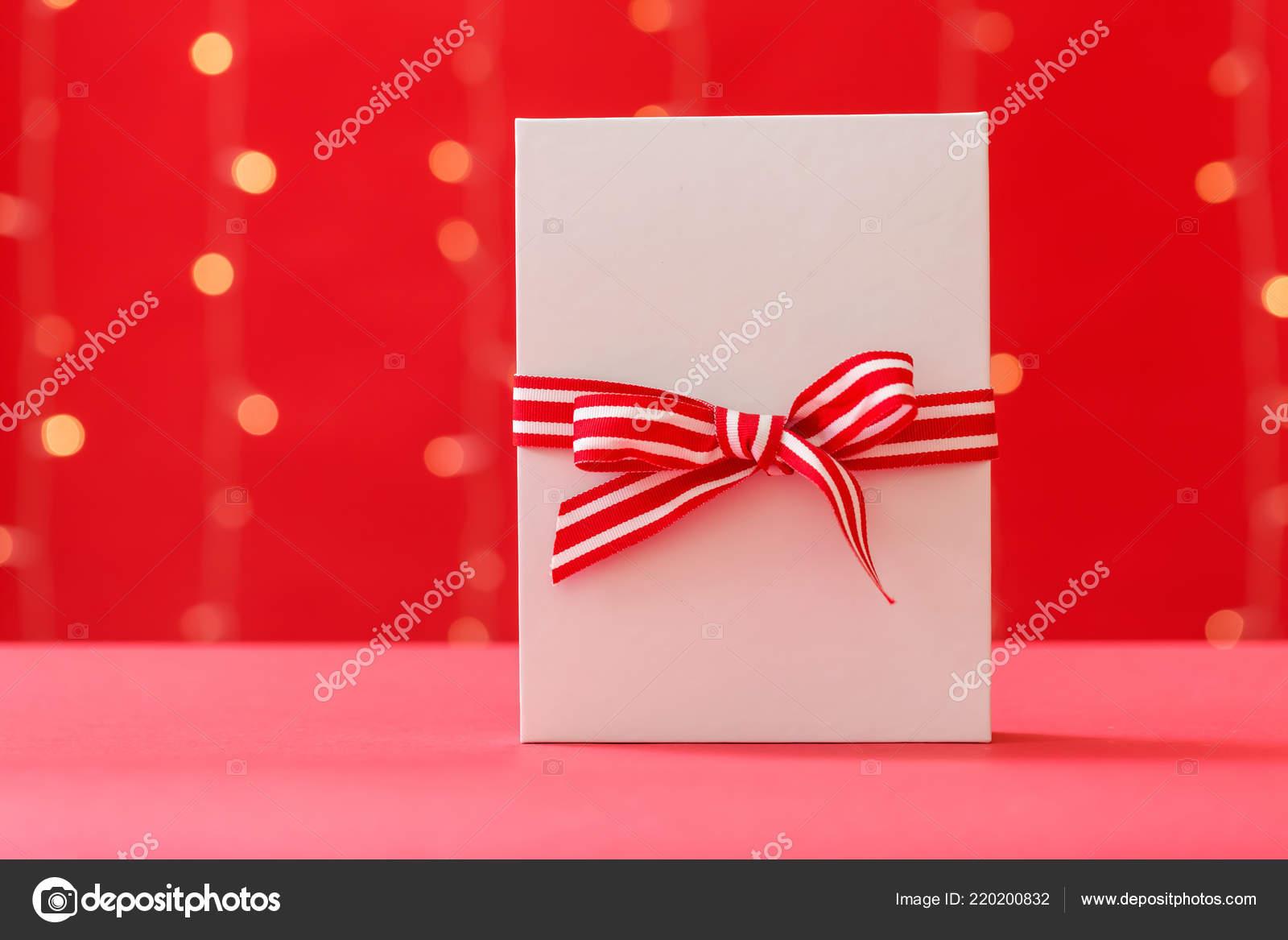 Weihnachtsgeschenkkasten — Stockfoto © Melpomene #220200832