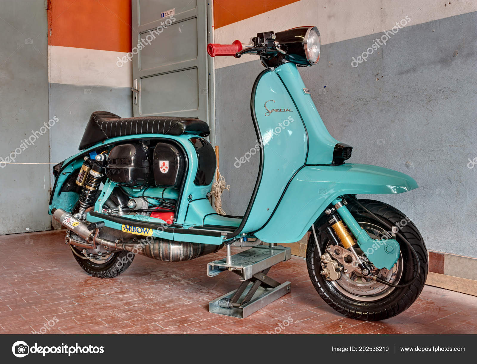 Italian Scooter Tuning Tuned Lambretta Special 60s Agriolo Festival Vintage Stock Editorial Photo C Ermess 202538210