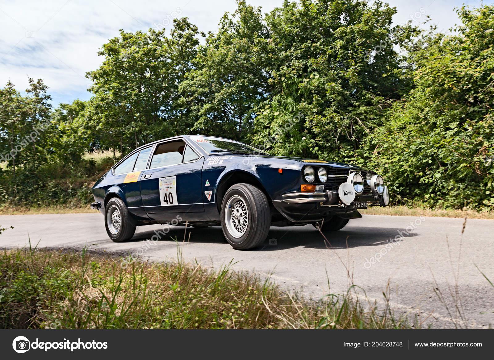 Vintage Car Alfa Romeo Gtv 2000 1978 Runs Rally Old – Stock ...