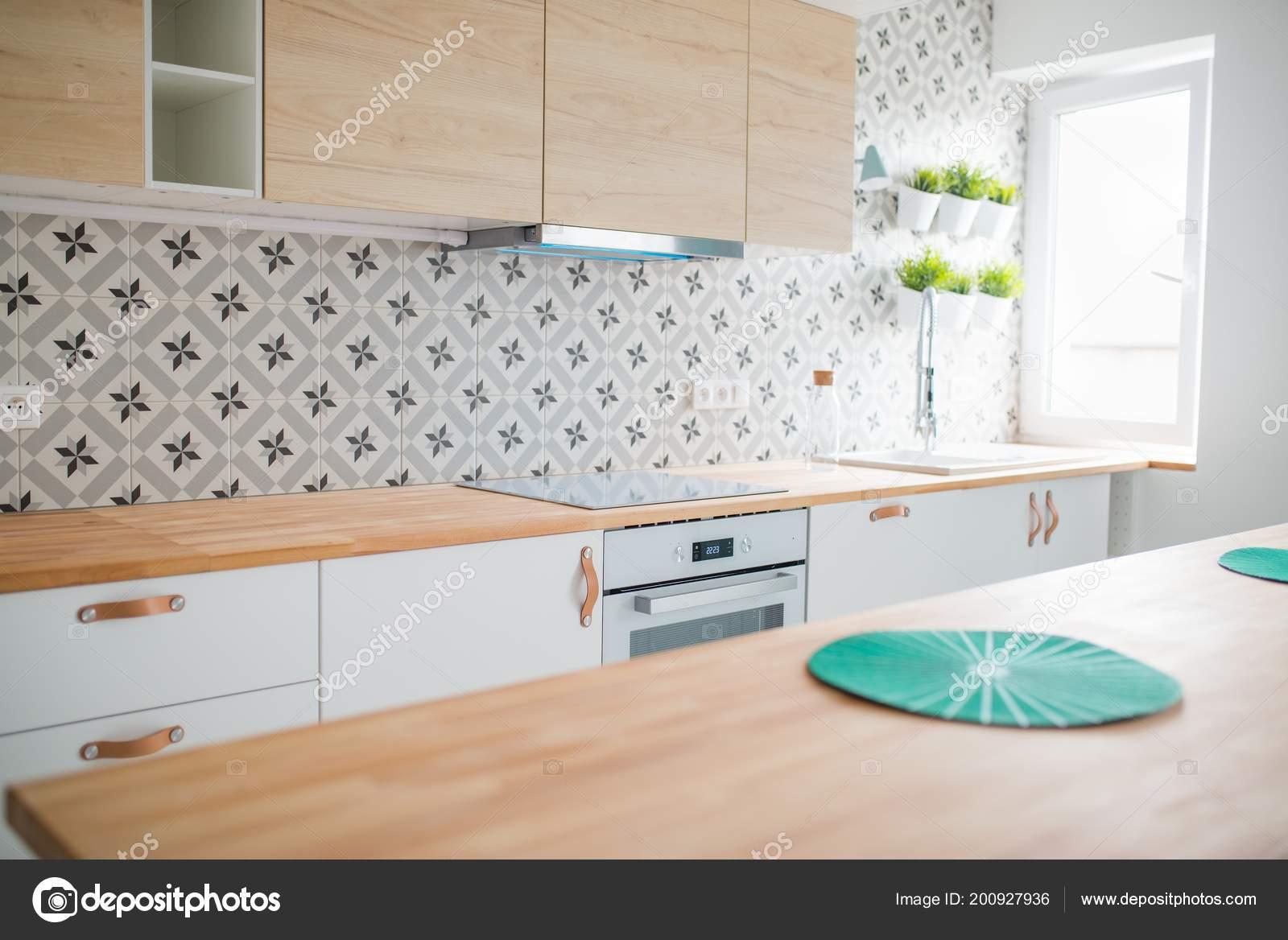 Cocina Luminosa Con Muebles Blancos Cocina Isla Lamparas Color