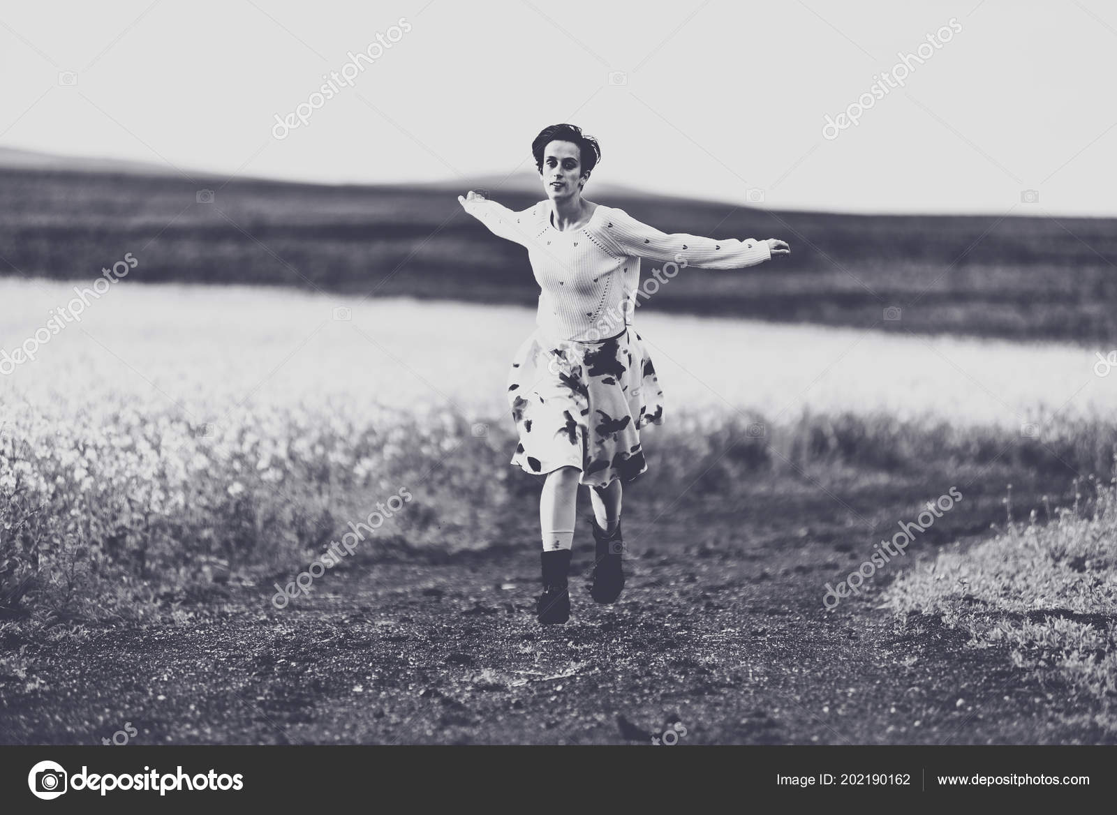 2a72d2e105 Woman Skirt Running Countryside Road Freedom Concept Black White Toned —  Stock Photo