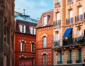 Színes évjárat régi épület homlokzata Párizs alatt gyönyörű fény, Franciaország