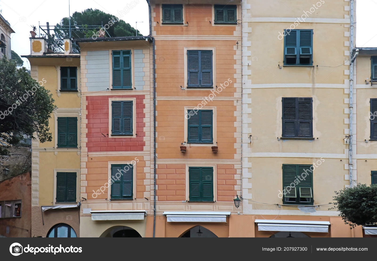 Retro Houses Exterior Colorful Facades Closed Windows — Stock Photo