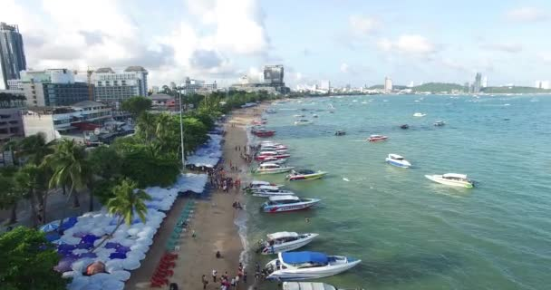 Pattaya City, August 2015 : The main beach with tourist wait for speed boat to go to the island near pattaya