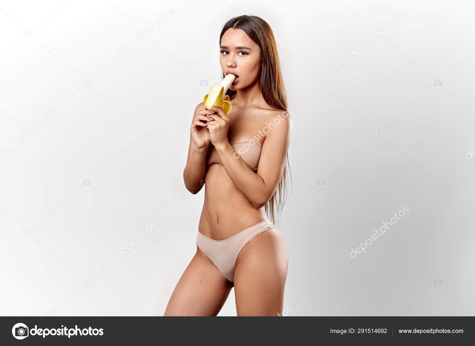 Nastolatka pochwa tube