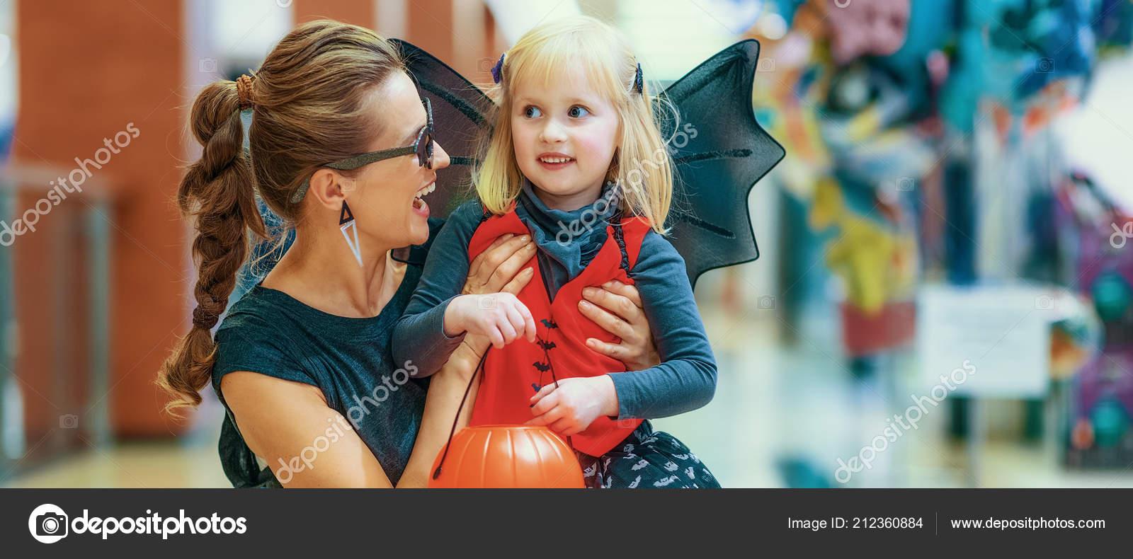Smiling Elegant Mother Daughter Bat Costume Halloween Mall