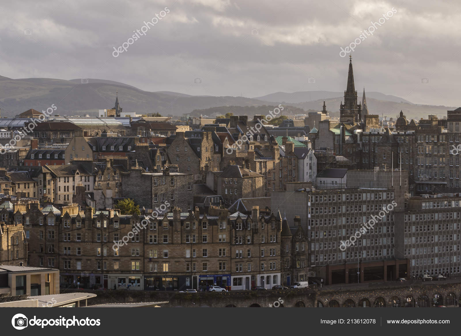 bbe44b4abb45 Tron Kirk Pentland Hills Edinburgh Skyline Scotland — Stock Photo ...