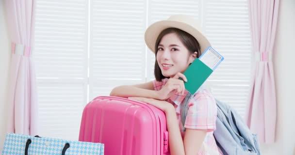 Asijská krása připravena k cestování