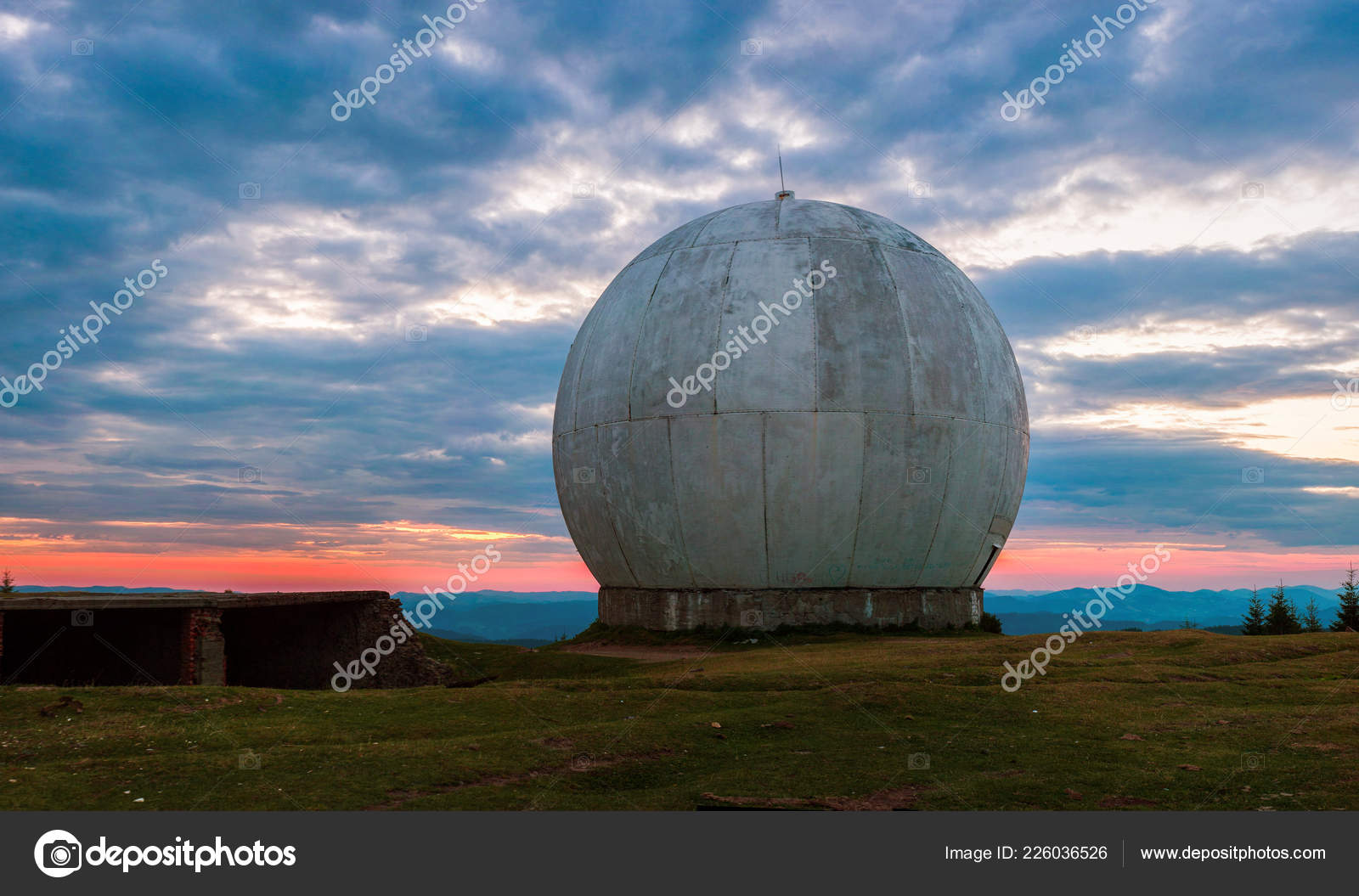 Old Military Facility Tracking System Radar Base Old Giant