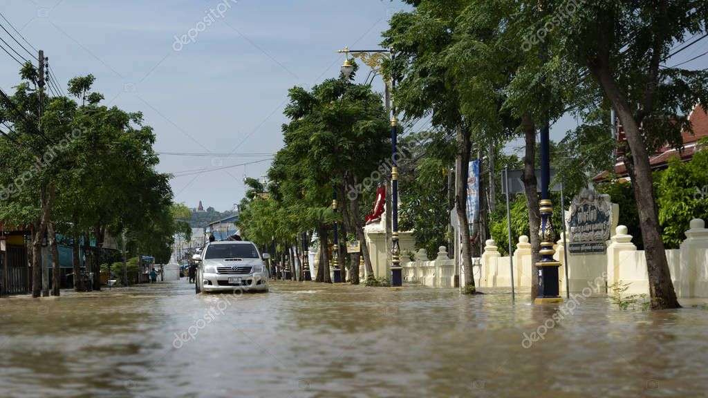 Phetcharburi, Thailand - November 25, 2017 : Flood situation in the city at Mueng, Phetcharburi, Thailand